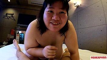 恐怖のHカップ100キロオーバー爆乳巨漢おデブさん危険すぎた肉団子騎乗位。久々のち◯ぽでブス笑顔満点。私ぽっちゃりです?巨乳は嬉しいががっつりバケモノ肥満ですから。ゲテモノフェチ。インタビュー フェラ シャワー編 個人撮影 ハメ撮り オリジナル ちはる OSAKAPORN