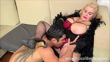 Young client prefers to fuck with mature Musa Libertina 29 min