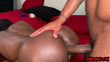Max Q Lynn Digs Deep in BigAzzJohnson's Creamy Ass