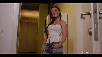 Horny Teen Julie Skyhigh is ANALysed by her pissed pervert hung neighbour Titof