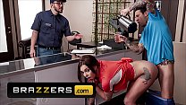 Busty (Gabbie Carter) Getting Multiple Orgasms From Sex Aficionado And Café Owner (Small Hands) - Brazzers 11 min