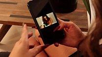 Teresa Ferrer viendo videos que le ponen cachonda....