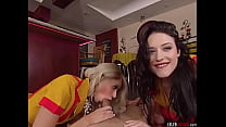2 Broke Girls . Max and Caroline 2 min