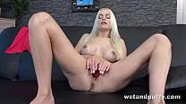 Bleach Blonde Babe Fucks Her Wet Pussy With Dildo