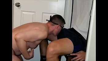 Tall hung beefy muscled hairy hunk gets orally serviced at my anonymous oral service chair in Los Angeles
