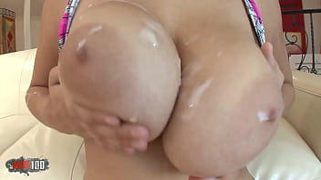The beautiful Alexia has a pretty exceptional pair of boobs !!!