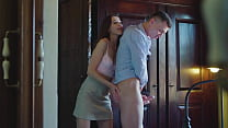Natural Sybil fingers her husband