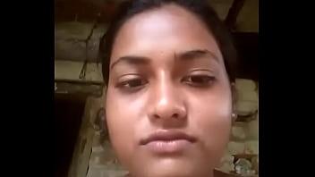 Saud Mama Desi girl fingering Odia Balasore Indian ସାଉଡ଼ ଗାଁ ଝିଅ ଆଙ୍ଗୁଳି ବିଆଭିତରେ ପୁରେଇ ଦୁଧକୁ ଚିପି ଭିଡିଓ
