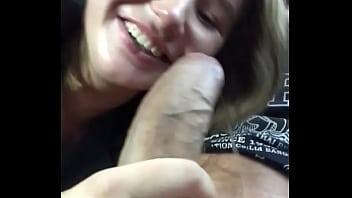 18 yo babe Amalia Devis sucking stranger's cock in the taxi