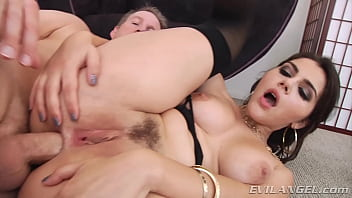 Deep Nasty Anal for Valentina Nappi