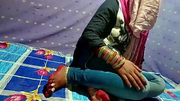 छोटी साली की जींस उतार के दर्दनाक चुदाई वो भी हिंदी में अश्लील