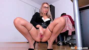 Squirting Orgasms Behind Hr Lady In Office | KATE.HOT4CAMS.COM