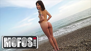 Mofos - (Silvia Soprano) Asks If (Jordi El Nino Polla) Can Put Oil On Her Body But He Cant Resist Her Body