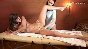 Marusya Mechta got her virgin pussy massaged