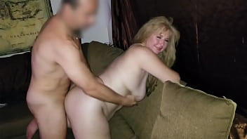 Friend fucks Hotwife for the first time. 34 sec