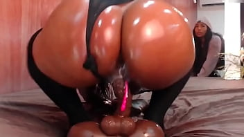 Big booty twerking on dildo hard 5 min
