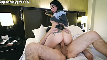 Tatted Babe Gets BWC in Hotel Room