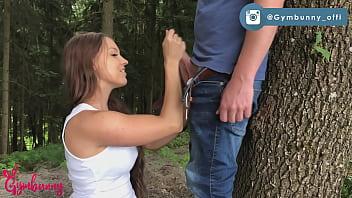 Deutsches Teen Girls allererster Blowjob mit MEGA Gesichtsbesamung - Gymbunny 8 min