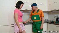 Dasha is waiting on her kitchen for anal sex