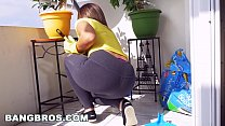 BANGBROS - Latina maid Mariah cleans more than just the apartment (mda15731)