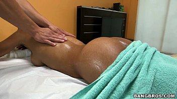 Indian Girl Gets Oil Massage