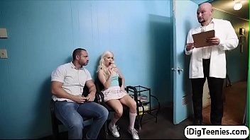Teen Vera gives her dentist an oral show